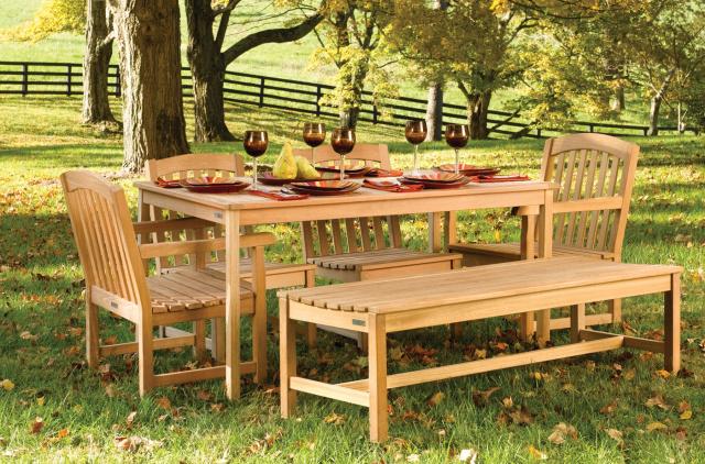 Advantages of Teak Outdoor Furniture